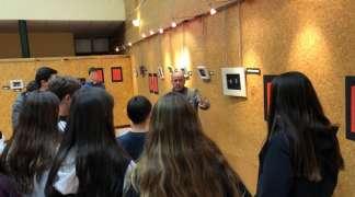 Visita escolar exposición de sellos.